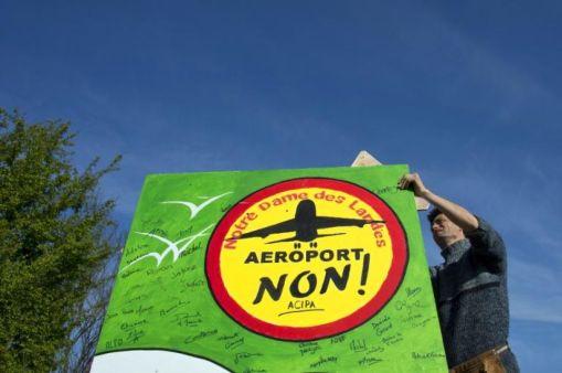 539646-un-opposant-au-projet-d-aeroport-de-notre-dame-des-landes-avant-une-manifestation-a-nantes-le-4-mai-