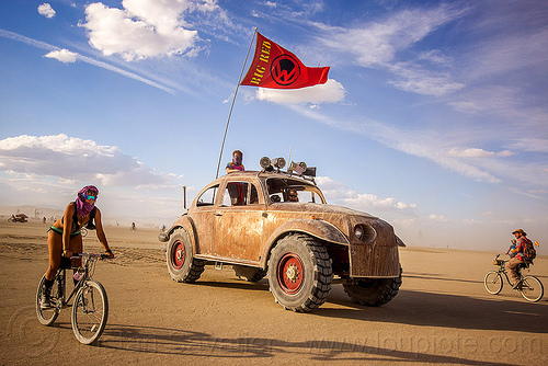 -bigred-giant-vw-beetle-art-car-burning-man-2015