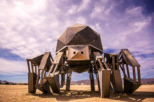 walking-pod-giant-spider-robot-burning-man-2015