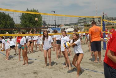 girls trying beachvolley Kosovo
