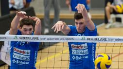 20140125 - ROESELARE, BELGIUM: Roeselare's Tomas Rousseaux and Roeselare's Matthijs Verhanneman pictured in action during the Ethias Volleyleague match between Knack Roeselare and Noliko Maaseik, Saturday 25 January 2014, in Roeselare. BELGA PHOTO JASPER JACOBS