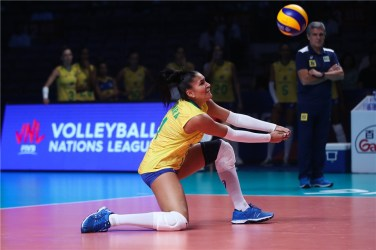 Femmes Volley Tainra Santos